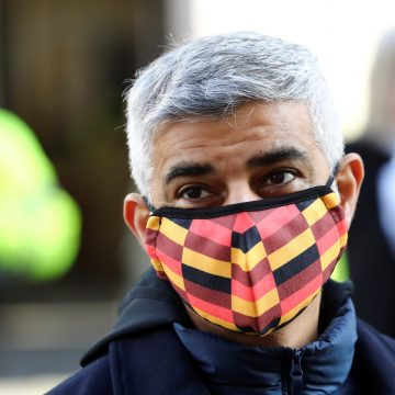 Government should rethink relaxed Christmas rules, Sadiq Khan urges